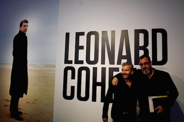 De gauche à droite: John Zeppetelli, Directeur général du MAC et Victor Shiffman, co-commissaire de l'exposition
